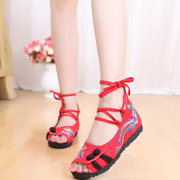Embroidered Soft Sole Cloth Sandals